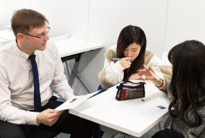留学先での学習に必要な英語力を短期間で身につける。