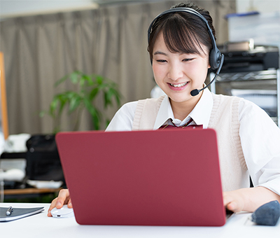 海外大学編入・大学院進学科(全日制) 留学準備を短期間、集中して行いたい方におススメ。