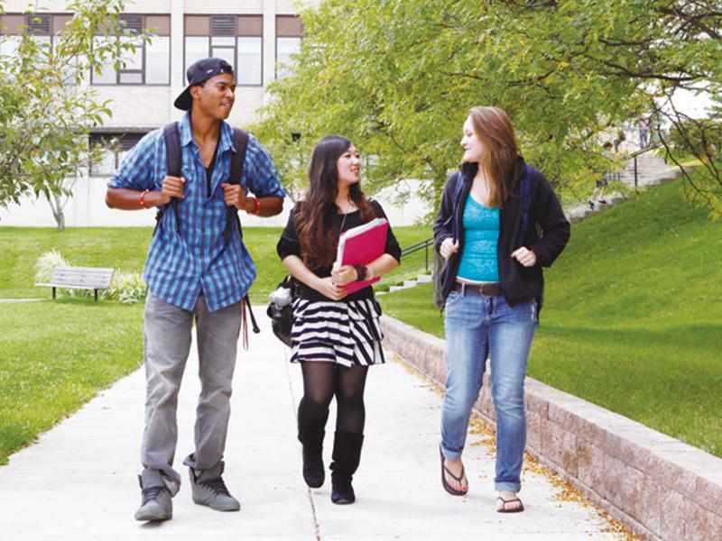 世界から留学生が集まる海外大学。真の国際性を養う最適の環境です。